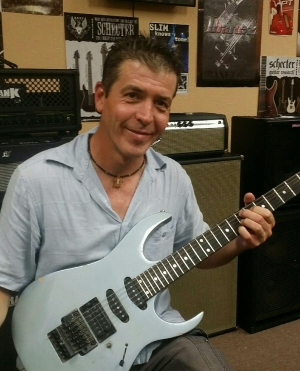Mike Jennings - Guitar Instructor at Boogie Music
